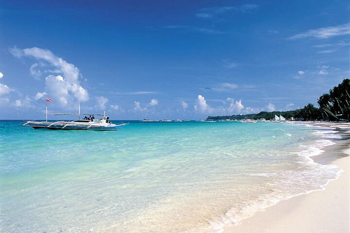 世界のトップ10に選ばれたホワイトビーチ!