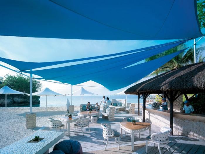 プライベートビーチ、充実した施設が魅力的♪