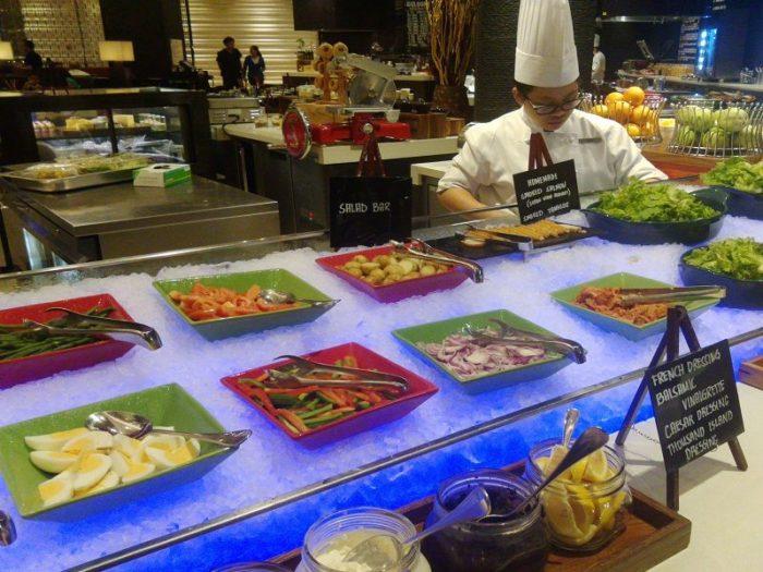 【関西発】フィリピン航空直行便《午前発》で行く!マニラ3日間!人気の複合施設「シティオブドリームス」で満喫♪『ハイアット・シティ・オブ・ドリームス・デラックスルーム』に滞在!《往復送迎・朝食付》