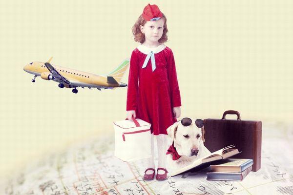 旅行をする子供のイメージ写真