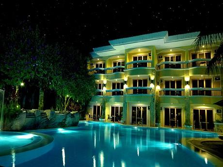 【中部発】フィリピン航空で行く!ボラカイ島4日間♪好立地のリゾートホテル!『ヘナン・リージェンシー・リゾート&スパ・スーペリアルーム』に滞在♪《往復送迎・朝食付》