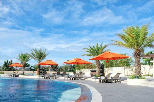 クリムソン・リゾート&スパ・マクタンのプール