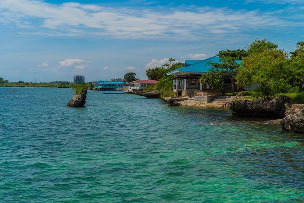 セブ・マクタン島の海