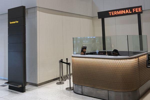 セブマクタン国際空港第2ターミナルの空港税支払い所