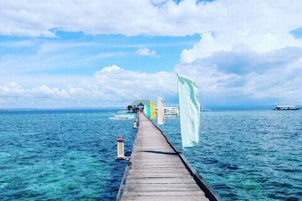 フィリピン、ナルスアン島の桟橋