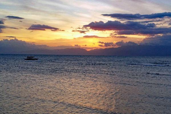 セブ島・モアルボアルの夕日